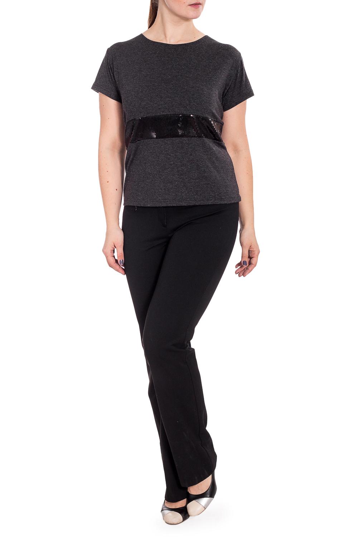 БлузкаБлузки<br>Удобная блузка с короткими рукавми. Модель выполнена из приятного материала. Отличный выбор для повседневного гардероба.  В изделии использованы цвета: серый, черный  Рост девушки-фотомодели 180 см.<br><br>Горловина: С- горловина<br>По материалу: Вискоза,Трикотаж<br>По рисунку: Однотонные<br>По сезону: Весна,Зима,Лето,Осень,Всесезон<br>По силуэту: Полуприталенные<br>По стилю: Повседневный стиль<br>Рукав: Короткий рукав<br>Размер : 52,56<br>Материал: Трикотаж<br>Количество в наличии: 2