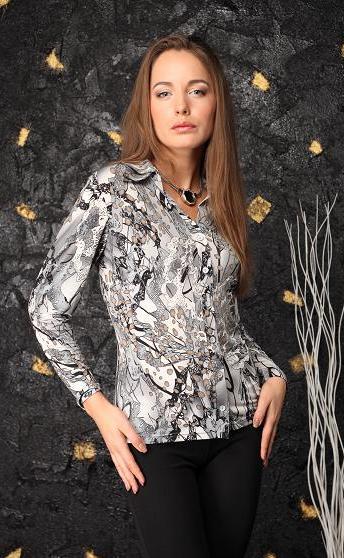 РубашкаРубашки<br>Красивая рубашка с длинными рукавами. Модель выполнена из приятного трикотажа. Отличный выбор для повседневного гардероба.  Цвет: серый, черный, белый  Параметры (обхват груди; обхват талии; обхват бедер): 44 размер - 88; 66,4; 96 см 46 размер - 92; 70,6; 100 см 48 размер - 96; 74,2; 104 см 50 размер - 100; 90; 106 см 52 размер - 104; 94; 110 см 54-56 размер - 108-112; 98-102; 114-118 см 58-60 размер - 116-120; 106-110; 124-130 см<br><br>Воротник: Рубашечный<br>Застежка: С пуговицами<br>По материалу: Трикотаж<br>По рисунку: Абстракция,С принтом,Цветные<br>По сезону: Весна,Всесезон,Зима,Лето,Осень<br>По силуэту: Приталенные<br>По стилю: Повседневный стиль<br>Рукав: Длинный рукав<br>Размер : 52,54-56<br>Материал: Холодное масло<br>Количество в наличии: 2