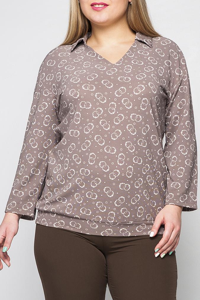 БлузкаБлузки<br>Женская блузка из трикотажа, прямого силуэта с отложным воротником. Горловина V-образная, воротник отложной. По низу изделия пришивной пояс, который облегает линию бедер.   Параметры изделия:  48 размер: обхват груди 105 см; обхват бедер 102 см; длина изделия 70 см; длина рукава 3/4.  52 размер: обхват груди 113 см; обхват бедер 110 см; длина изделия 72 см; длина рукава 3/4.  Цвет: бежевый, белый  Рост девушки-фотомодели 175 см<br><br>Воротник: Отложной<br>Горловина: V- горловина<br>По материалу: Трикотаж<br>По рисунку: С принтом,Цветные<br>По сезону: Весна,Зима,Лето,Осень,Всесезон<br>По силуэту: Полуприталенные<br>По стилю: Повседневный стиль<br>Рукав: Длинный рукав<br>Размер : 48,50,52,54,58,60<br>Материал: Трикотаж<br>Количество в наличии: 6