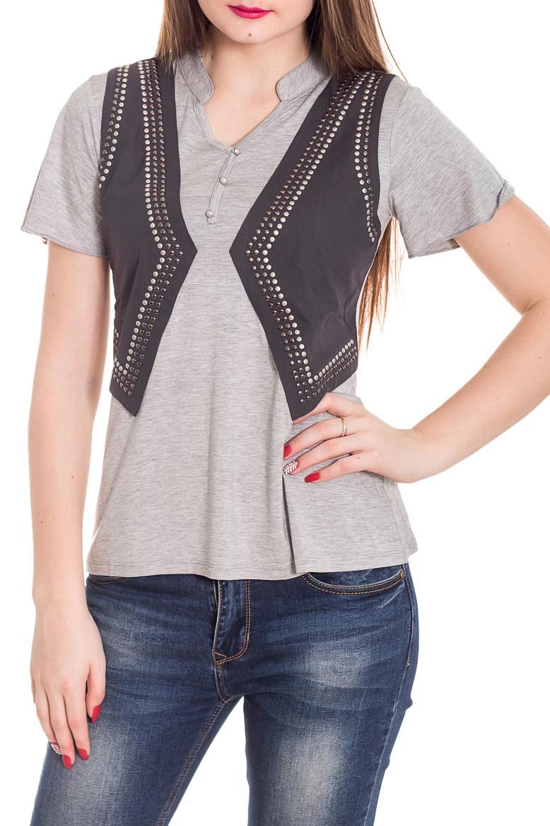 БлузкаБлузки<br>Интересная блузка с имитацией жилета. Модель выполнена из мягкой вискозы. Отличный выбор для повседневного гардероба.  Цвет: серый  Рост девушки-фотомодели 180 см<br><br>Горловина: V- горловина<br>По материалу: Вискоза,Трикотаж<br>По рисунку: С принтом,Цветные<br>По сезону: Весна,Зима,Лето,Осень,Всесезон<br>По силуэту: Полуприталенные<br>По стилю: Повседневный стиль<br>Рукав: Короткий рукав<br>Размер : 44,48<br>Материал: Вискоза<br>Количество в наличии: 2