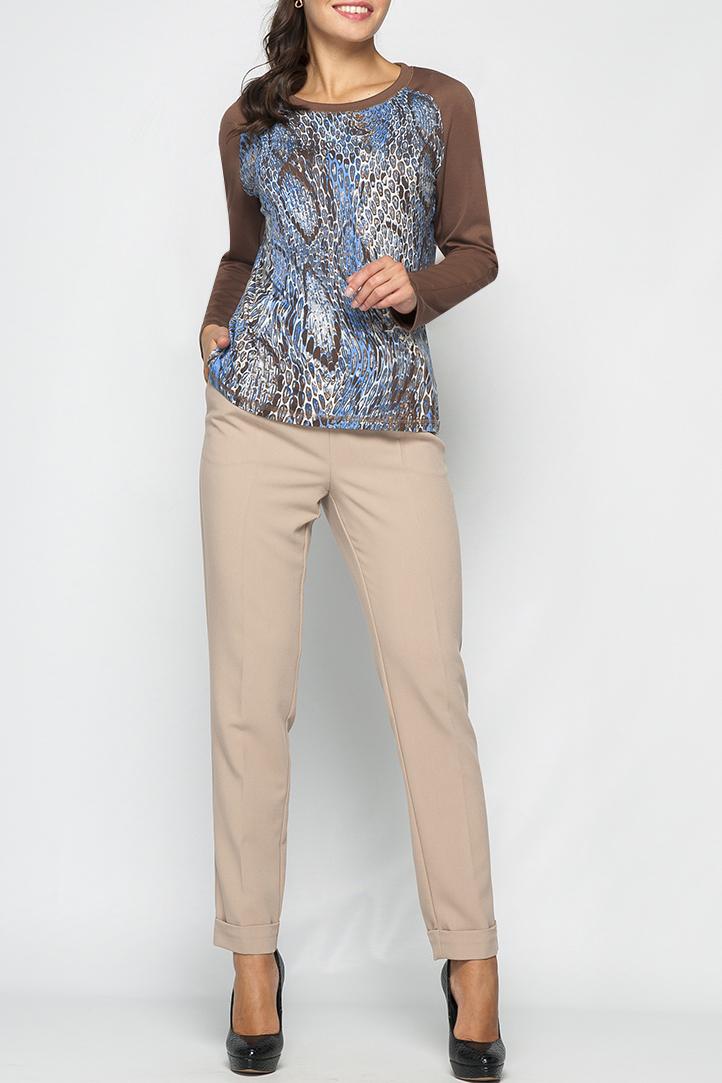 ДжемперДжемперы<br>Трикотажный женский джемпер прямого силуата, По низу изделия, низу рукавов и по горловине проложена отделочная декоративная строчка. Рукава оформлены в контрасте с общей расцветкой.   Параметры изделия:  42 размер: обхват бедер - 94 см, длина изделия 62,5 см;  50 размер:обхват бедер - 110 см, длина изделия 65,5 см.  Цвет: бежевый, голубой  Рост девушки-фотомодели 170 см<br><br>Горловина: С- горловина<br>По материалу: Трикотаж<br>По рисунку: Рептилия,С принтом,Цветные<br>По силуэту: Прямые<br>По стилю: Повседневный стиль<br>Рукав: Длинный рукав<br>По сезону: Осень,Весна<br>Размер : 42,44,46,48,50,52,54,56<br>Материал: Трикотаж<br>Количество в наличии: 11