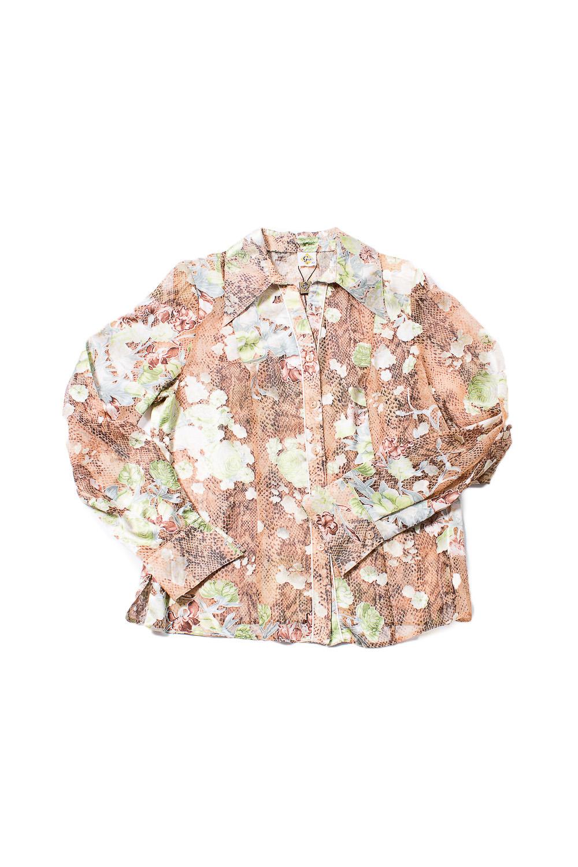 БлузкаБлузки<br>Цветная блузка с длинными рукавами. Модель выполнена из приятного материала. Отличный выбор для повседневного гардероба.  В изделии использованы цвета: бежевый, зеленый  Ростовка изделия 170 см.<br><br>Воротник: Отложной<br>Горловина: V- горловина<br>По материалу: Шифон<br>По образу: Город,Свидание<br>По рисунку: С принтом,Цветные<br>По сезону: Весна,Зима,Лето,Осень,Всесезон<br>По силуэту: Приталенные<br>По стилю: Повседневный стиль<br>По элементам: С манжетами<br>Рукав: Длинный рукав<br>Размер : 48<br>Материал: Шифон<br>Количество в наличии: 1