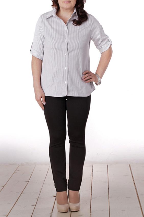 БлузкаБлузки<br>Красивая женская блузка с рукавами до локтя. Модель выполнена из приятного материала. Прекрасный вариант для повседневного и делового гардероба.  Цвет: белый, серый  Длина изделия 68 см.  Длина рукава 32 см.  Рост девушки-фотомодели 165 см.<br><br>Воротник: Рубашечный<br>Застежка: С пуговицами<br>По материалу: Блузочная ткань,Вискоза,Тканевые<br>По рисунку: В полоску,Цветные,С принтом<br>По сезону: Весна,Всесезон,Зима,Лето,Осень<br>По силуэту: Полуприталенные<br>По стилю: Офисный стиль,Повседневный стиль<br>По элементам: С патами<br>Рукав: До локтя<br>Размер : 50,52,54,58<br>Материал: Блузочная ткань<br>Количество в наличии: 4
