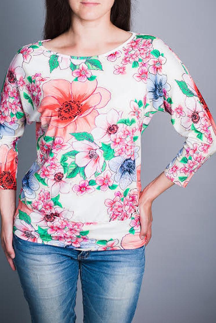 БлузаБлузки<br>Цветная блузка полуприталенного силуэта. Модель выполнена из приятного материала. Отличный выбор для повседневного гардероба.  В изделии использованы цвета: белый, розовый и др.  Ростовка изделия 170 см.<br><br>Горловина: Лодочка<br>По материалу: Вискоза,Трикотаж<br>По рисунку: Растительные мотивы,С принтом,Цветные,Цветочные<br>По сезону: Весна,Зима,Лето,Осень,Всесезон<br>По силуэту: Полуприталенные<br>По стилю: Повседневный стиль<br>Рукав: Рукав три четверти<br>Размер : 44,46,48,50,52,54<br>Материал: Вискоза<br>Количество в наличии: 6