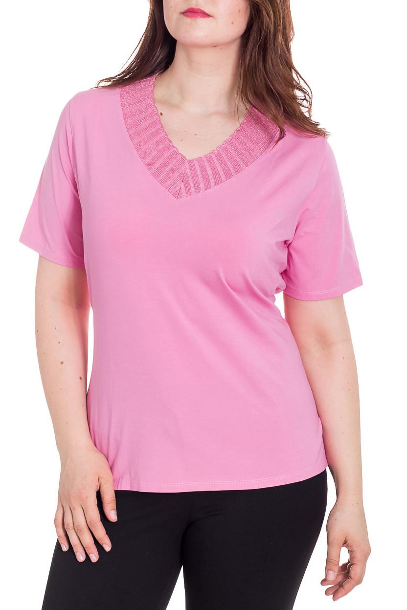 БлузкаБлузки<br>Красивая блузка с короткими рукавами. Модель выполнена из приятного материала. Отличный выбор для повседневного гардероба.  Цвет: розовый  Рост девушки-фотомодели 180 см<br><br>Горловина: V- горловина<br>По материалу: Вискоза<br>По рисунку: Однотонные<br>По сезону: Весна,Зима,Лето,Осень,Всесезон<br>По силуэту: Полуприталенные<br>По стилю: Повседневный стиль<br>Рукав: Короткий рукав<br>Размер : 52,54<br>Материал: Вискоза<br>Количество в наличии: 2