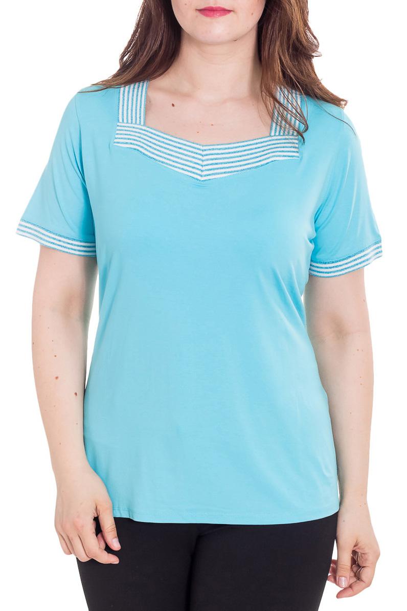 БлузкаБлузки<br>Красивая блузка с короткими рукавами. Модель выполнена из приятного материала. Отличный выбор для повседневного гардероба.  Цвет: голубой, белый  Рост девушки-фотомодели 180 см<br><br>Горловина: Квадратная горловина<br>По материалу: Вискоза<br>По рисунку: Однотонные<br>По сезону: Весна,Зима,Лето,Осень,Всесезон<br>По силуэту: Полуприталенные<br>По стилю: Повседневный стиль,Летний стиль<br>Рукав: Короткий рукав<br>Размер : 52,54<br>Материал: Вискоза<br>Количество в наличии: 2