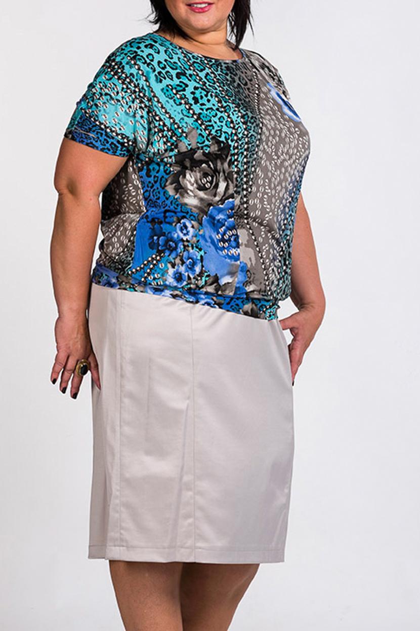 БлузкаБлузки<br>Цветная блузка с короткими рукавами.  Повседневная одежда должна выполнять не только защитную, но и декоративную функцию, скрывая недостатки и подчеркивая достоинства. Поэтому одежда для полных должна быть прямого или свободного силуэта.  В изделии использованы цвета: голубой, серый, синий  Ростовка изделия 170 см.<br><br>Горловина: С- горловина<br>По материалу: Трикотаж<br>По рисунку: Леопард,Растительные мотивы,С принтом,Цветные,Цветочные<br>По сезону: Весна,Зима,Лето,Осень,Всесезон<br>По силуэту: Приталенные<br>По стилю: Повседневный стиль,Летний стиль<br>Рукав: Короткий рукав<br>Размер : 54<br>Материал: Холодное масло<br>Количество в наличии: 1