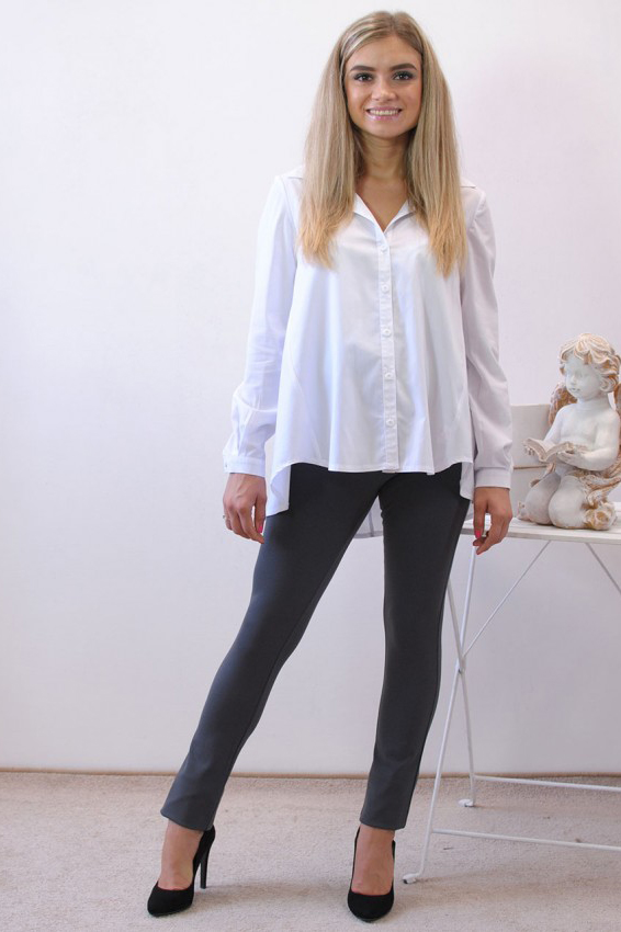 РубашкаБлузки для будущих мам<br>Модная, стильная рубашка однотонного цвета с отложным воротником, интересным фасоном и удобной застёжкой на планке с пуговицами. Великолепный выбор на каждый день, отлично сочетается с любыми брючками и джинсами. Подходит на любой срок беременности и после родов.  В изделии использованы цвета: белый  Параметры для 42 размера:  Длина изделия по спинке 70 см Длина рукава 59 см  Ростовка изделия 170 см<br><br>Воротник: Рубашечный<br>По материалу: Вискоза,Тканевые<br>По рисунку: Однотонные<br>По сезону: Весна,Зима,Лето,Осень,Всесезон<br>По силуэту: Свободные<br>По стилю: Офисный стиль,Повседневный стиль<br>По элементам: С манжетами<br>Рукав: Длинный рукав<br>Размер : 46,50<br>Материал: Блузочная ткань<br>Количество в наличии: 2