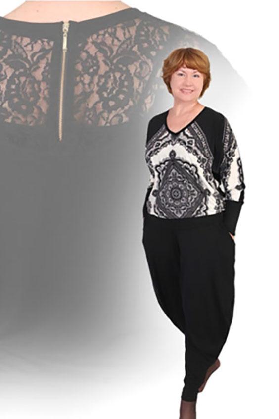 БлузкаБлузки<br>Оригинальная женская блузка из легкого трикотажа. Длинный рукав. Идеально подойдет к брюкам BR(3)-ALS. Цвет: черно-белый.<br><br>Горловина: V- горловина<br>По материалу: Трикотаж<br>По рисунку: Цветные,С принтом<br>По сезону: Весна,Зима,Осень,Всесезон,Лето<br>По силуэту: Полуприталенные<br>По стилю: Повседневный стиль<br>Рукав: Длинный рукав<br>Размер : 46<br>Материал: Холодное масло<br>Количество в наличии: 1