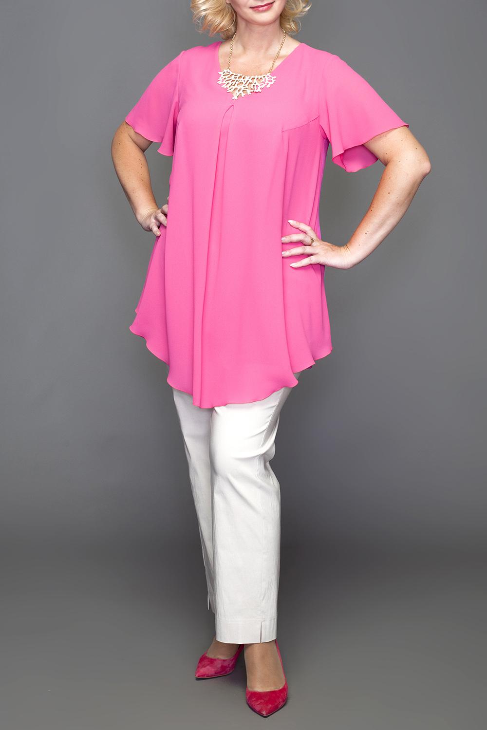 БлузкаБлузки<br>Удлиненная блузка с фигурным подолом. Модель выполнена из приятного материала. Отличный выбор для любого случая. Блузка без броши.  В изделии использованы цвета: розовый  Ростовка изделия 170 см.  Параметры размеров: 48 размер - обхват груди 100 см., обхват талии 84 см., обхват бедер 108 см. 50 размер - обхват груди 104 см., обхват талии 89 см., обхват бедер 112 см. 52 размер - обхват груди 108 см., обхват талии 94 см., обхват бедер 116 см. 54 размер - обхват груди 112 см., обхват талии 99 см., обхват бедер 120 см. 56 размер - обхват груди 116 см., обхват талии 104 см., обхват бедер 124 см. 58 размер - обхват груди 120 см., обхват талии 109 см., обхват бедер 128 см. 60 размер - обхват груди 124 см., обхват талии 114 см., обхват бедер 132 см. 62 размер - обхват груди 128 см., обхват талии 119 см., обхват бедер 136 см. 64 размер - обхват груди 132 см., обхват талии 124 см., обхват бедер 140 см. 66 размер - обхват груди 136 см., обхват талии 129 см., обхват бедер 144 см. 68 размер - обхват груди 140 см., обхват талии 134 см., обхват бедер 148 см. 70 размер - обхват груди 144 см., обхват талии 139 см., обхват бедер 152 см. 72 размер - обхват груди 148 см., обхват талии 144 см., обхват бедер 156 см. 74 размер - обхват груди 152 см., обхват талии 149 см., обхват бедер 160 см. 76 размер - обхват груди 156 см., обхват талии 154 см., обхват бедер 164 см.<br><br>Горловина: С- горловина<br>По материалу: Тканевые<br>По рисунку: Однотонные<br>По сезону: Весна,Зима,Лето,Осень,Всесезон<br>По силуэту: Прямые<br>По стилю: Нарядный стиль,Повседневный стиль<br>По элементам: С фигурным низом<br>Рукав: Короткий рукав<br>Размер : 50,54,56,60,64,66,68<br>Материал: Блузочная ткань<br>Количество в наличии: 7