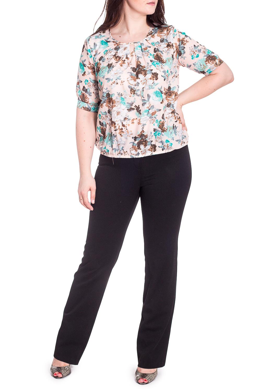 БлузкаБлузки<br>Чудесная блузка с цветочным принтом. Модель выполнена из приятного материала. Отличный выбор для любого случая.  В изделии использованы цвета: бежевый и др.  Рост девушки-фотомодели 180 см.<br><br>Горловина: С- горловина<br>По материалу: Блузочная ткань,Тканевые<br>По рисунку: Растительные мотивы,С принтом,Цветные,Цветочные<br>По сезону: Весна,Зима,Лето,Осень,Всесезон<br>По силуэту: Полуприталенные<br>По стилю: Повседневный стиль<br>По элементам: С манжетами<br>Рукав: Короткий рукав<br>Размер : 48,50,52,54,56<br>Материал: Блузочная ткань<br>Количество в наличии: 23