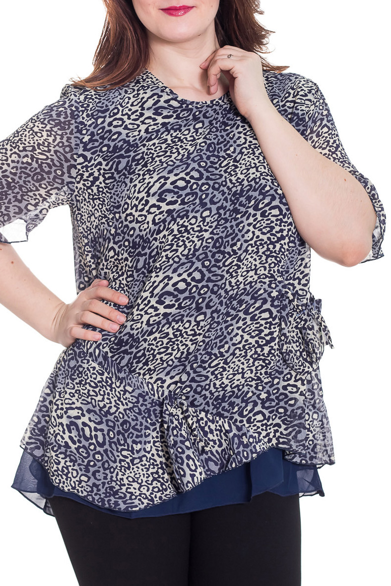 БлузкаБлузки<br>Удлиненная блузка с короткими рукавами. Модель выполнена из воздушного шифона. Отличный выбор для любого случая.  Цвет: белый, синий, черный  Рост девушки-фотомодели 180 см<br><br>Горловина: С- горловина<br>По материалу: Шифон<br>По образу: Город,Свидание<br>По рисунку: Леопард,С принтом,Цветные<br>По сезону: Весна,Зима,Лето,Осень,Всесезон<br>По силуэту: Прямые<br>По стилю: Повседневный стиль<br>Рукав: Короткий рукав<br>Размер : 48,50,52,54,56<br>Материал: Шифон<br>Количество в наличии: 17