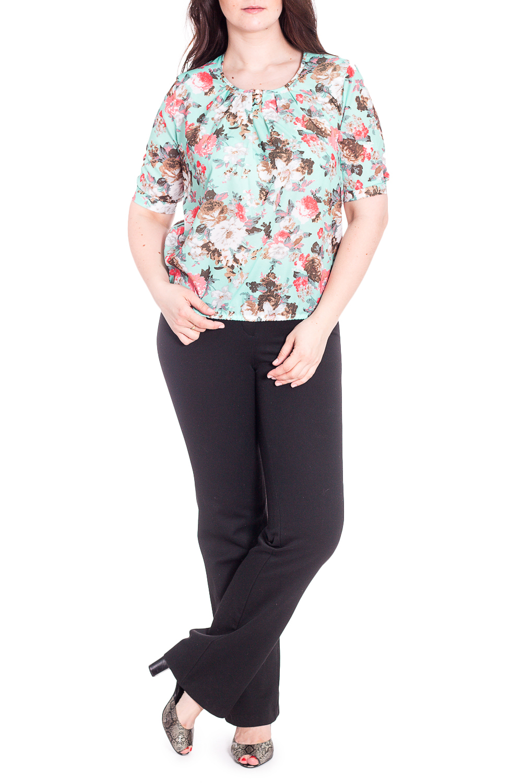 БлузкаБлузки<br>Чудесная блузка с цветочным принтом. Модель выполнена из приятного материала. Отличный выбор для любого случая.  В изделии использованы цвета: мятный и др.  Рост девушки-фотомодели 180 см.<br><br>Горловина: С- горловина<br>По материалу: Блузочная ткань,Тканевые<br>По рисунку: Растительные мотивы,С принтом,Цветные,Цветочные<br>По сезону: Весна,Зима,Лето,Осень,Всесезон<br>По силуэту: Полуприталенные<br>По стилю: Повседневный стиль<br>По элементам: С манжетами<br>Рукав: Короткий рукав<br>Размер : 48,50,52,54,56<br>Материал: Блузочная ткань<br>Количество в наличии: 20