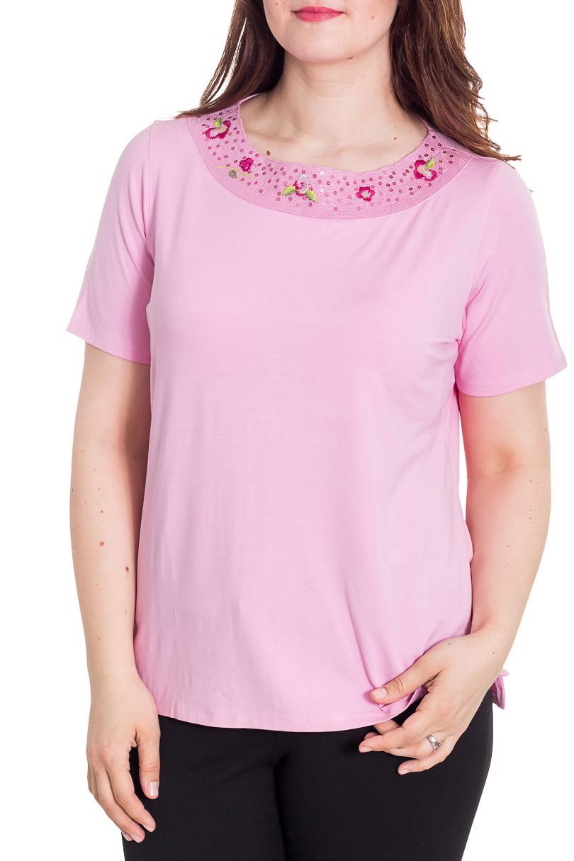 БлузкаБлузки<br>Красивая блузка с короткими рукавами. Модель выполнена из мягкой вискозы. Отличный выбор для повседневного гардероба.  Цвет: розовый  Рост девушки-фотомодели 180 см<br><br>Горловина: С- горловина<br>По материалу: Вискоза<br>По рисунку: Однотонные<br>По сезону: Весна,Зима,Лето,Осень,Всесезон<br>По силуэту: Полуприталенные<br>По стилю: Повседневный стиль,Летний стиль<br>По элементам: С декором<br>Рукав: Короткий рукав<br>Размер : 52<br>Материал: Вискоза<br>Количество в наличии: 1