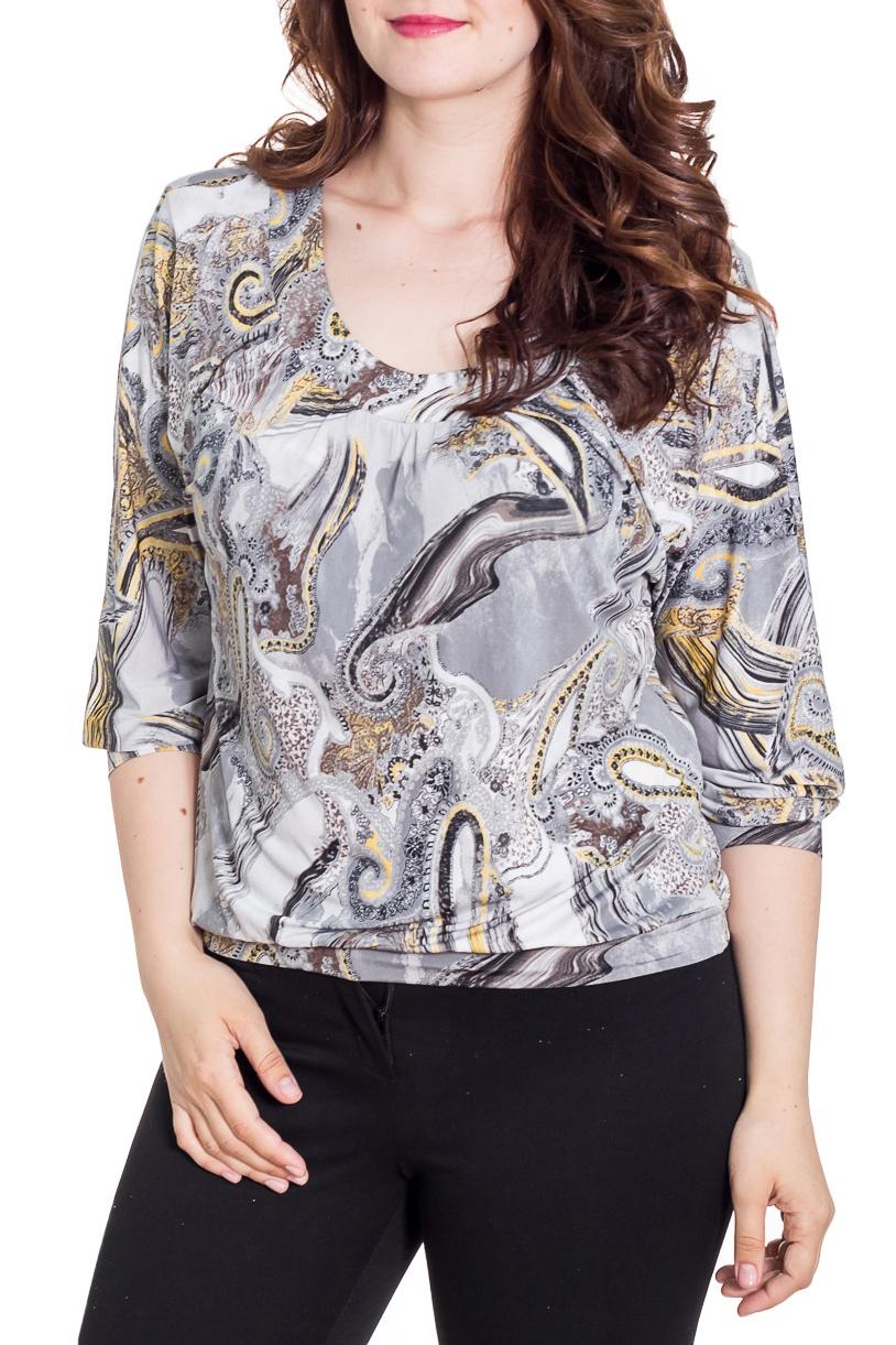 БлузкаБлузки<br>Цветная блузка свободного силуэта с рукавами 3/4. Модель выполнена из приятного материала. Отличный выбор на любой случай.  Цвет: серый, бежевый  Рост девушки-фотомодели 180 см<br><br>Горловина: С- горловина<br>По материалу: Вискоза,Трикотаж<br>По рисунку: С принтом,Цветные<br>По сезону: Весна,Зима,Лето,Осень,Всесезон<br>По силуэту: Свободные<br>По стилю: Повседневный стиль<br>Рукав: Рукав три четверти<br>Размер : 48,50,52,56,58<br>Материал: Холодное масло<br>Количество в наличии: 6