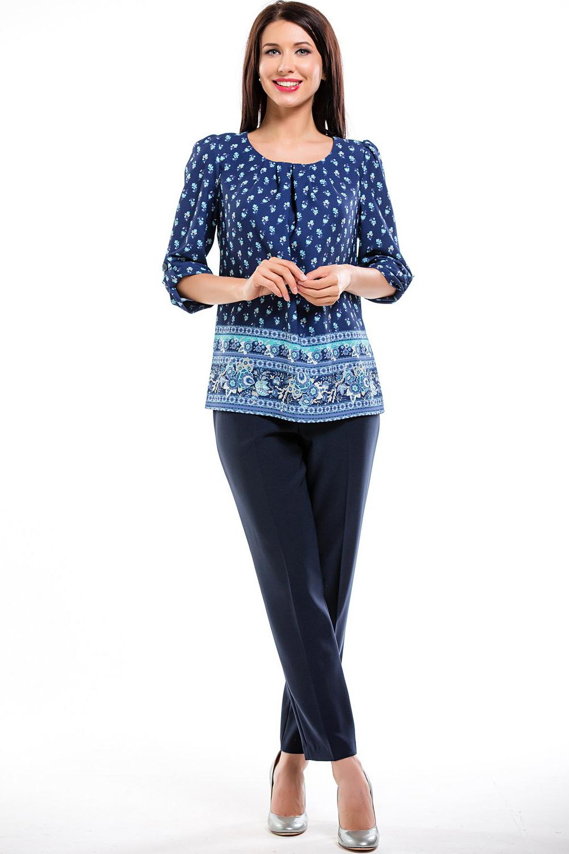 БлузкаБлузки<br>Красивая блузка с круглой горловиной и рукавами 3/4. Модель выполнена из приятного материала. Отличный выбор для любого случая.  В изделии использованы цвета: синий, голубой и др.  Рост девушки-фотомодели 169 см<br><br>Горловина: С- горловина<br>По материалу: Тканевые<br>По образу: Город<br>По рисунку: С принтом,Цветные,Этнические<br>По сезону: Весна,Зима,Лето,Осень,Всесезон<br>По силуэту: Прямые<br>По стилю: Повседневный стиль<br>По элементам: Со складками<br>Рукав: Рукав три четверти<br>Размер : 46,48,50,52<br>Материал: Блузочная ткань<br>Количество в наличии: 8