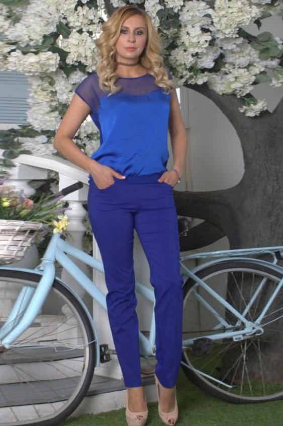 БлузкаБлузки<br>Комбинированная блуза свободного силуэта на поясе. Полочка с фигурной кокеткой из сетки, спинка однотонная, выполнена из легкого трикотажного полотна. Проймы и горловины окантованы.   Длина изделия от 61 см до 65 см, в зависимости от размера.   Стильная модель с полупрозрачной вставкой сделает ваш образ более ярким, женственным, дополнит его нотами сдержанной сексуальности  В изделии использованы цвета: синий.  Рост девушки-фотомодели 175 см<br><br>Горловина: С- горловина<br>По материалу: Вискоза,Гипюровая сетка,Трикотаж<br>По образу: Город,Свидание<br>По сезону: Весна,Зима,Лето,Осень,Всесезон<br>По силуэту: Свободные<br>По стилю: Повседневный стиль,Нарядный стиль<br>Рукав: Короткий рукав<br>По рисунку: Однотонные<br>Размер : 48,52<br>Материал: Холодное масло + Гипюровая сетка<br>Количество в наличии: 2