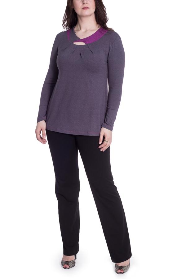 БлузкаБлузки<br>Однотонная блузка с длинными рукавами и интересной горловиной. Модель выполнена из приятного материала. Отличный выбор для повседневного гардероба.  В изделии использованы цвета: фиолетовый  Рост девушки-фотомодели 180 см.<br><br>Горловина: С- горловина<br>По материалу: Вискоза,Трикотаж<br>По рисунку: Однотонные<br>По сезону: Весна,Зима,Лето,Осень,Всесезон<br>По силуэту: Приталенные<br>По стилю: Повседневный стиль<br>По элементам: С декором<br>Рукав: Длинный рукав<br>Размер : 48,50,52,54,56<br>Материал: Трикотаж<br>Количество в наличии: 9