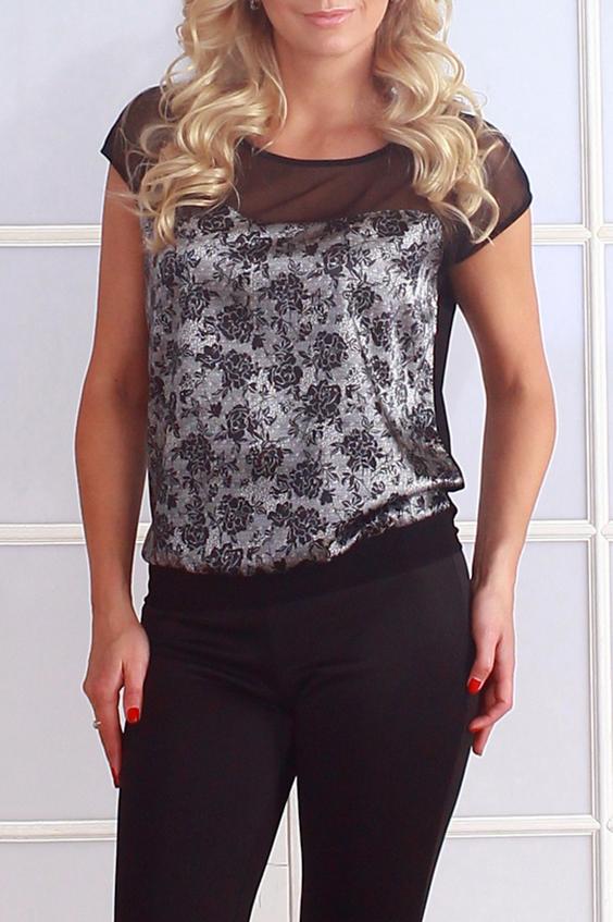 БлузкаБлузки<br>Комбинированная блуза свободного силуэта на поясе. Полочка с фигурной кокеткой из сетки, спинка однотонная, выполнена из легкого трикотажного полотна. Проймы и горловины окантованы.   Длина изделия от 61 см до 65 см, в зависимости от размера.   Стильная модель с полупрозрачной вставкой сделает ваш образ более ярким, женственным, дополнит его нотами сдержанной сексуальности  В изделии использованы цвета: серый, черный и др.  Рост девушки-фотомодели 175 см<br><br>Горловина: С- горловина<br>По материалу: Гипюровая сетка,Трикотаж<br>По образу: Город,Свидание<br>По рисунку: Растительные мотивы,С принтом,Цветные,Цветочные<br>По сезону: Весна,Зима,Лето,Осень,Всесезон<br>По силуэту: Свободные<br>По стилю: Повседневный стиль,Нарядный стиль<br>Рукав: Короткий рукав<br>Размер : 42,44,46,48,50,52,54<br>Материал: Холодное масло<br>Количество в наличии: 15