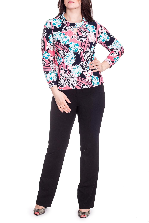 БлузкаБлузки<br>Красивая блузка с декоративным верезом quot;капелькаquot;. Модель выполнена из приятного материала. Отличный выбор для любого случая.  В изделии использованы цвета: синий, розовый и др.  Рост девушки-фотомодели 180 см.<br><br>Воротник: Стойка<br>По материалу: Вискоза,Трикотаж<br>По рисунку: Растительные мотивы,С принтом,Цветные,Цветочные<br>По сезону: Весна,Зима,Лето,Осень,Всесезон<br>По силуэту: Приталенные<br>По стилю: Повседневный стиль<br>По элементам: С декором<br>Рукав: Длинный рукав<br>Размер : 48,50,52,54,56<br>Материал: Холодное масло<br>Количество в наличии: 22