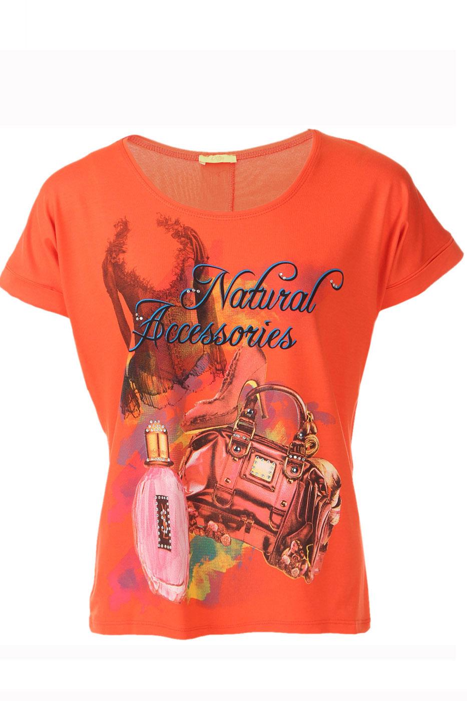 ФутболкаФутболки<br>Потрясающая футболка с элегантным узором, сзади скроена длиннее чем спереди настоящая приманка для глаз, гарантирующая стильный выход Короткий рукав и округлый вырез горловины.  Цвет: оранжевый, мультицвет  Ростовка изделия 170 см.  Парметры изделия: 40 размер - обхват груди 74-77 см., обхват талии 60-62 см. 42 размер - обхват груди 78-81 см., обхват талии 63-65 см. 44 размер - обхват груди 82-85 см., обхват талии 66-69 см. 46 размер - обхват груди 86-89 см., обхват талии 70-73 см. 48 размер - обхват груди 90-93 см., обхват талии 74-77 см. 50 размер - обхват груди 94-97 см., обхват талии 78-81 см. 52 размер - обхват груди 98-102 см., обхват талии 82-86 см. 54 размер - обхват груди 103-107 см., обхват талии 87-91 см. 56 размер - обхват груди 108-113 см., обхват талии 92-96 см. 58/60 размер - обхват груди 114-119 см., обхват талии 97-102 см. 62 размер - обхват груди 120-125 см., обхват талии 103-108 см.<br><br>Горловина: С- горловина<br>По материалу: Вискоза,Трикотаж<br>По образу: Город,Свидание<br>По рисунку: С принтом,Цветные<br>По сезону: Весна,Всесезон,Зима,Лето,Осень<br>По силуэту: Полуприталенные<br>По стилю: Повседневный стиль<br>Рукав: Короткий рукав<br>Размер : 48,50<br>Материал: Вискоза<br>Количество в наличии: 1