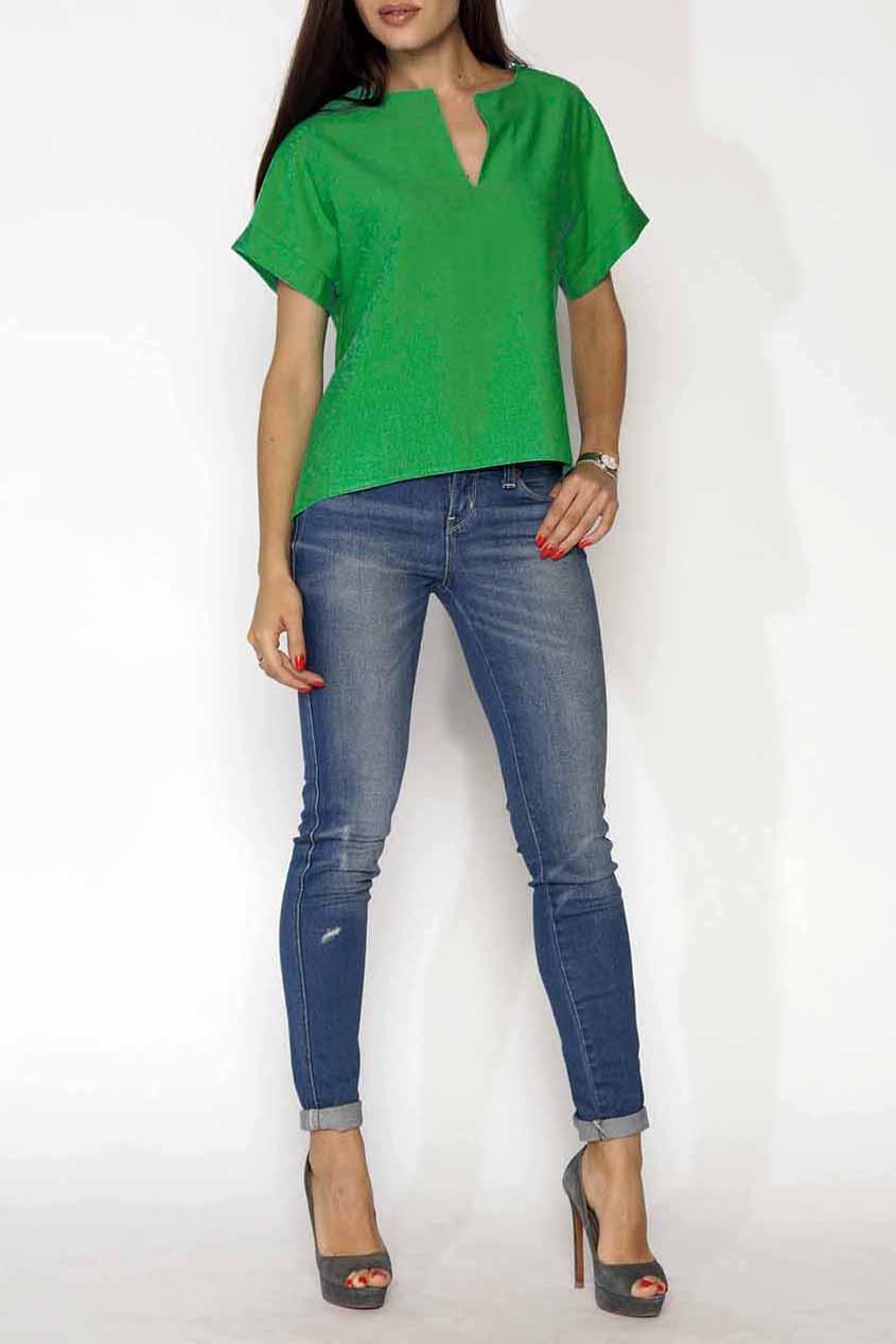 БлузкаБлузки<br>Универсальная блузка свободного силуэта. Модель выполнена из хлопкового материала. Отличный выбор для повседневного и делового гардероба.  Цвет: зеленый  Ростовка изделия 170 см<br><br>Горловина: Фигурная горловина<br>По материалу: Тканевые,Хлопок<br>По рисунку: Однотонные<br>По сезону: Весна,Зима,Лето,Осень,Всесезон<br>По силуэту: Прямые<br>По стилю: Офисный стиль,Повседневный стиль,Летний стиль<br>Рукав: Короткий рукав<br>Размер : 44-46<br>Материал: Плательно-блузочная ткань<br>Количество в наличии: 1