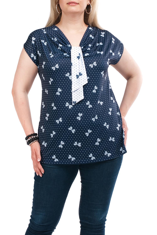 БлузкаБлузки<br>Цветная женская блузка полуприталенного силуэта с декоративным элементом на груди. Модель выполнена из приятного трикотажа. Отличный выбор для любого случая.  Цвет: синий, белый  Рост девушки-фотомодели 173 см<br><br>Горловина: V- горловина<br>По материалу: Вискоза,Трикотаж<br>По образу: Город,Свидание<br>По рисунку: С принтом,Цветные,Цветочные,В горошек<br>По сезону: Весна,Зима,Лето,Осень,Всесезон<br>По силуэту: Полуприталенные<br>По стилю: Повседневный стиль<br>Рукав: Короткий рукав<br>Размер : 52<br>Материал: Холодное масло<br>Количество в наличии: 1