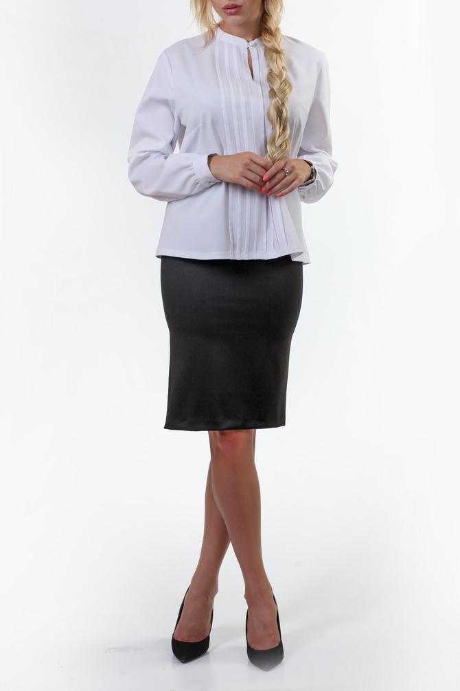 БлузкаБлузки<br>Блуза в романтическом стиле из эластичной фактуры. Притачной воротник-стойка с фигурным вырезом подойдет дамам, которые приветствуют отсутствие отложных воротников. Прямой силуэт даст полную свободу движения. Блуза в комплекте с классическими юбками, брюками и жакетами усилит впечатление о вас как о профессионале.  В изделии использованы цвета: белый  Ростовка изделия 164-170 см.<br><br>Воротник: Стойка<br>По материалу: Блузочная ткань<br>По рисунку: Однотонные<br>По сезону: Весна,Зима,Лето,Осень,Всесезон<br>По силуэту: Прямые<br>По стилю: Классический стиль,Офисный стиль,Повседневный стиль<br>По элементам: С декором,С манжетами<br>Рукав: Длинный рукав<br>Размер : 50,52,54<br>Материал: Блузочная ткань<br>Количество в наличии: 3