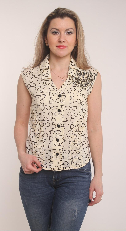 БлузкаБлузки<br>Красивая женская блузка без рукавов. Модель выполнена из приятной блузочной ткани. Прекрасный вариант для любого случая.  Цвет: бежевый, черный  Длина изделия 60 см.  Рост девушки-фотомодели 163 см.<br><br>По образу: Свидание,Город<br>По стилю: Повседневный стиль<br>По материалу: Вискоза,Тканевые<br>По рисунку: Абстракция,Цветные<br>По сезону: Зима,Лето,Осень,Весна,Всесезон<br>По силуэту: Полуприталенные<br>Воротник: Отложной<br>Рукав: Без рукавов<br>Застежка: С пуговицами<br>Размер: 44,46,48,50,52,54,56,58<br>Материал: 50% вискоза 50% полиэстер<br>Количество в наличии: 3