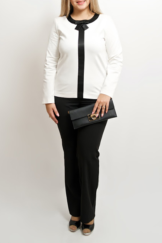 БлузкаБлузки<br>Красивая блузка с длинными рукавами. Модель выполнена из приятного материала. Отличный выбор для любого случая.  Цвет: белый, черный  Рост девушки-фотомодели 170 см<br><br>Горловина: С- горловина<br>По материалу: Вискоза,Трикотаж<br>По рисунку: Цветные<br>По сезону: Весна,Зима,Лето,Осень,Всесезон<br>По силуэту: Полуприталенные<br>По стилю: Офисный стиль,Повседневный стиль<br>По элементам: С декором<br>Рукав: Длинный рукав<br>Размер : 48-50,52-56,64-68<br>Материал: Трикотаж<br>Количество в наличии: 5