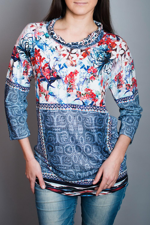 БлузкаБлузки<br>Цветная блузка полуприталенного силуэта. Модель выполнена из приятного материала. Отличный выбор для повседневного гардероба.  В изделии использованы цвета: синий, голубой и др.  Ростовка изделия 170 см.<br><br>Воротник: Хомут<br>По материалу: Вискоза,Трикотаж<br>По рисунку: С принтом,Цветные<br>По сезону: Весна,Зима,Лето,Осень,Всесезон<br>По силуэту: Полуприталенные<br>По стилю: Повседневный стиль<br>Рукав: Рукав три четверти<br>Размер : 44,46,48,50,52<br>Материал: Вискоза<br>Количество в наличии: 5