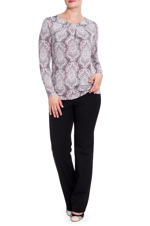 БлузкаБлузки<br>Красивая блузка с интересной горловиной и длинными рукавами. Модель выполнена из приятного трикотажа. Отличный выбор для повседневного гардероба.  В изделии использованы цвета: серый, белый  Рост девушки-фотомодели 180 см.<br><br>По материалу: Вискоза,Трикотаж<br>По рисунку: С принтом,Цветные<br>По сезону: Весна,Зима,Лето,Осень,Всесезон<br>По силуэту: Приталенные<br>По стилю: Повседневный стиль<br>По элементам: С декором<br>Рукав: Длинный рукав<br>Размер : 44,46,48,54<br>Материал: Холодное масло<br>Количество в наличии: 4