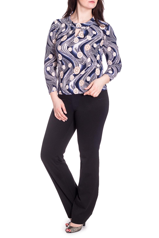 БлузкаБлузки<br>Красивая блузка с декоративным верезом quot;капелькаquot;. Модель выполнена из приятного материала. Отличный выбор для любого случая.  В изделии использованы цвета: синий, белый и др.  Рост девушки-фотомодели 180 см.<br><br>Воротник: Стойка<br>По материалу: Вискоза,Трикотаж<br>По рисунку: Растительные мотивы,С принтом,Цветные,Цветочные<br>По сезону: Весна,Зима,Лето,Осень,Всесезон<br>По силуэту: Приталенные<br>По стилю: Повседневный стиль<br>По элементам: С декором<br>Рукав: Длинный рукав<br>Размер : 48,50,52,54,56<br>Материал: Холодное масло<br>Количество в наличии: 25