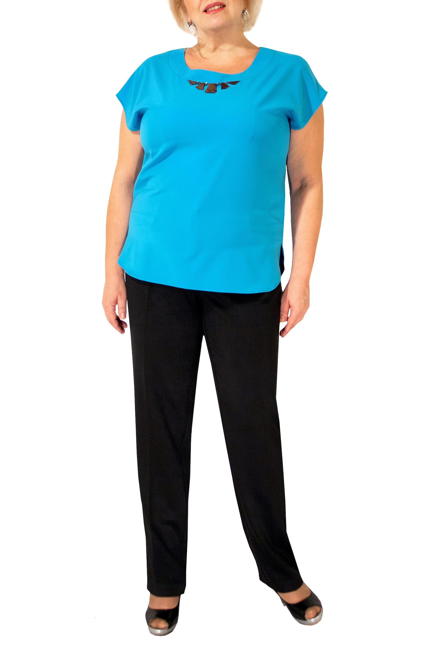БлузкаБлузки<br>Великолепная блузка с круглой горловиной и короткими рукавами. Модель выполнена из приятного материала. Отличный выбор для любого случая.  Цвет: голубой  Ростовка изделия 170 см.<br><br>Горловина: С- горловина<br>По материалу: Шелк<br>По образу: Город,Офис,Свидание<br>По рисунку: Однотонные<br>По сезону: Весна,Зима,Лето,Осень,Всесезон<br>По силуэту: Прямые<br>По стилю: Офисный стиль,Повседневный стиль<br>По элементам: С декором,С отделочной фурнитурой<br>Рукав: Короткий рукав<br>Размер : 44-46,48-50,52-56<br>Материал: Шелк<br>Количество в наличии: 5
