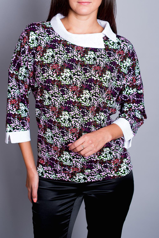 БлузкаБлузки<br>Цветная блузка полуприталенного силуэта. Модель выполнена из приятного материала. Отличный выбор для повседневного гардероба.  В изделии использованы цвета: фиолетовый, розовый, белый и др.  Ростовка изделия 170 см.<br><br>Воротник: Отложной<br>По материалу: Вискоза<br>По рисунку: Растительные мотивы,С принтом,Цветные,Цветочные<br>По сезону: Весна,Зима,Лето,Осень,Всесезон<br>По силуэту: Прямые<br>По стилю: Повседневный стиль<br>По элементам: С манжетами<br>Рукав: Рукав три четверти<br>Размер : 44,48,50,52<br>Материал: Вискоза<br>Количество в наличии: 4