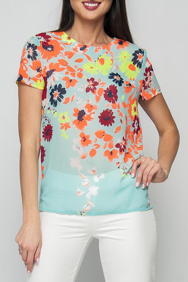 БлузкаБлузки<br>Женская блуза прямого силуэта с цветочным принтом и неоновыми вставками, длиной до бедер, рукав короткий. Круглый вырез горловины дополнен сзади аккуратным вырезом с застежкой на пуговицу. Блуза прекрасно впишется в повседневный гардероб, а яркий принт подарит Вам отличное настроение.  Параметры размеров: 44 размер: обхват груди - 96 см, длина рукава - 16 см, длина изделия - 63 см; 50 размер: обхват груди - 108 см, длина рукава - 18 см, длина изделия - 64 см  Цвет: голубой, оранжевый и др.  Рост девушки-фотомодели 170 см<br><br>Горловина: С- горловина<br>По материалу: Шифон<br>По образу: Город,Свидание<br>По рисунку: Растительные мотивы,С принтом,Цветные,Цветочные<br>По сезону: Весна,Зима,Лето,Осень,Всесезон<br>По силуэту: Прямые<br>По стилю: Повседневный стиль<br>Рукав: Короткий рукав<br>Размер : 50<br>Материал: Шифон<br>Количество в наличии: 1