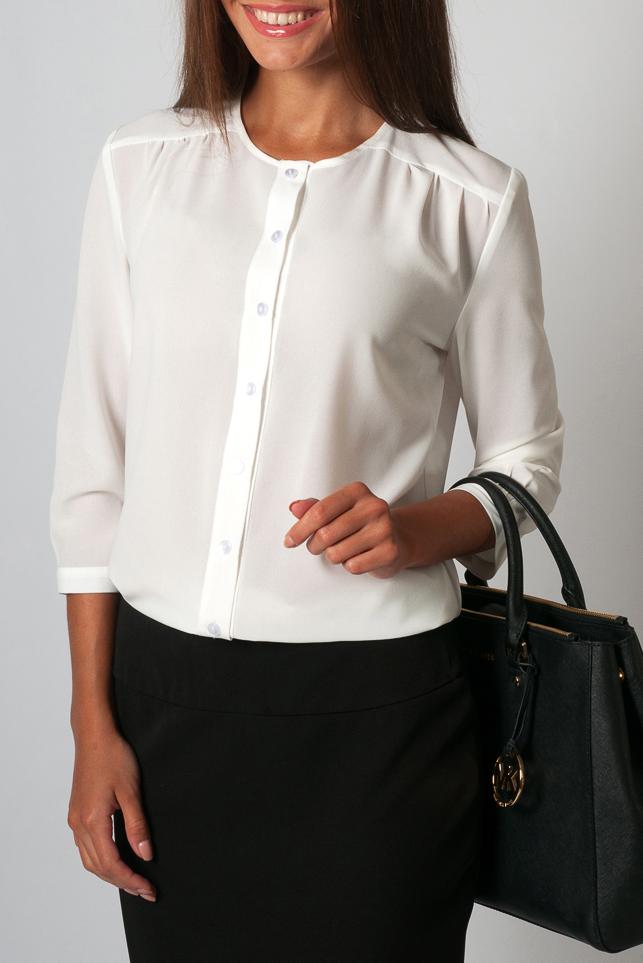 РубашкаРубашки<br>Рубашка женская полуприталеная, по переду изделия пуговицы-застежки. Нежная и элегантная модель которая идеально будет сочетаться как с юбкой так и с брюками.   Параметры размеров: 44 размер: длина изделия по спинке - 67 см, полуобхват по линии груди - 51 см, длина рукава - 44 см;  54 размер: длина изделия по спинке - 71 см, полуобхват по линии груди - 61 см, длина рукава - 45 см.  Цвет: молочный  Рост девушки-фотомодели 170 см<br><br>Застежка: С пуговицами<br>По материалу: Блузочная ткань,Тканевые<br>По рисунку: Однотонные<br>По сезону: Весна,Зима,Лето,Осень,Всесезон<br>По силуэту: Полуприталенные<br>По стилю: Повседневный стиль,Офисный стиль<br>Рукав: Рукав три четверти<br>Размер : 42,44,46,50,52,54,58,60<br>Материал: Блузочная ткань<br>Количество в наличии: 9