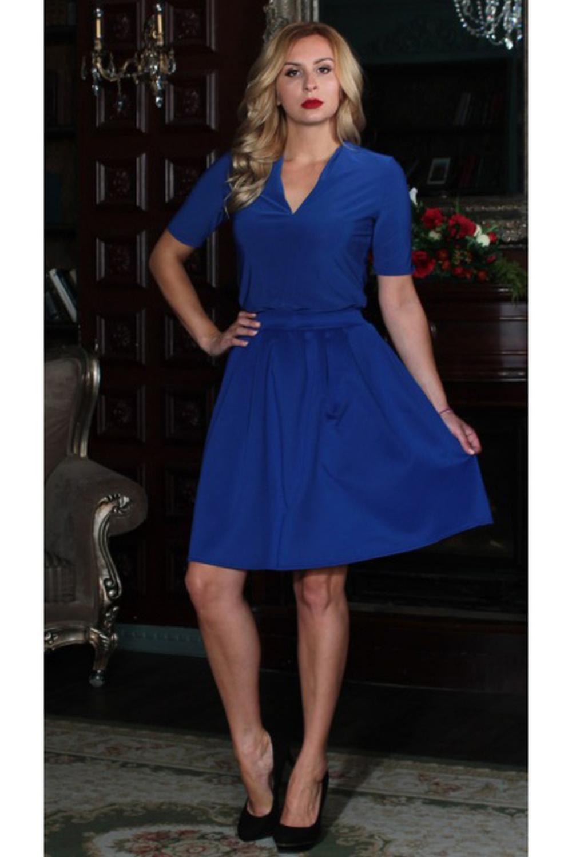 БлузкаБлузки<br>Блуза прямого силуэта из легкого струящегося трикотажного полотна. Рукав втачной, до локтя, вортник -шалька, по низу боковых швов-разрезы. Модель освежающего ментолового цвета – яркий акцент вашего образа В этой блузке вы точно не останетесь незамеченной  Длина изделия от 62 см до 68 см, в зависимости от размера.  Цвет: синий  Рост девушки-фотомодели 175 см<br><br>Горловина: V- горловина<br>По материалу: Вискоза,Трикотаж<br>По образу: Город,Офис,Свидание<br>По рисунку: Однотонные<br>По сезону: Весна,Зима,Лето,Осень,Всесезон<br>По силуэту: Приталенные<br>По стилю: Офисный стиль,Повседневный стиль<br>Рукав: До локтя,Короткий рукав<br>Размер : 46,48,50,54<br>Материал: Холодное масло<br>Количество в наличии: 4