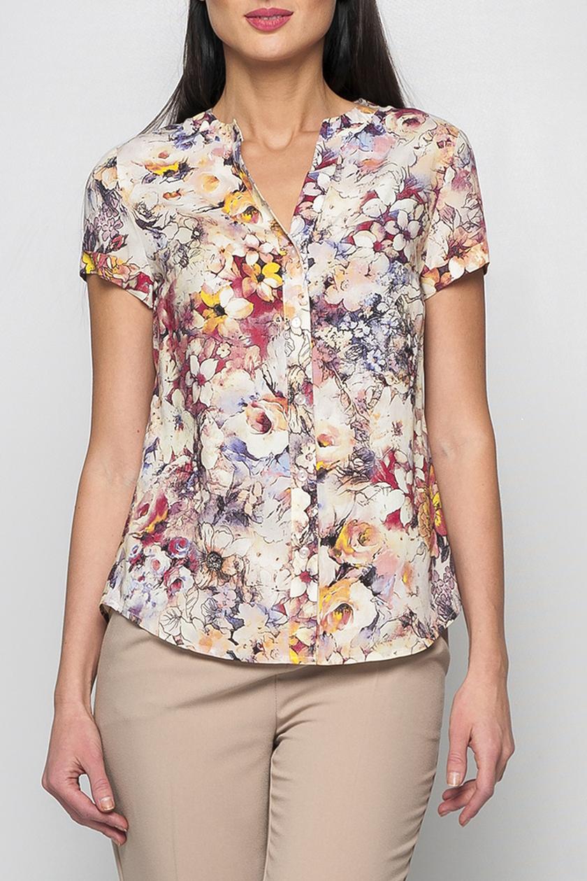 БлузкаБлузки<br>Классическая женская блуза из хлопковой ткани. Сочетание изысканного цветочного принта и мягкого пастельного тона расцветки придадут Вашему образу изысканность и женственность. Блуза отлично смотриться в сочетании с однотонными юбками, брюками. Подойдет для работы в офисе, так и для похлда в кино. Принт купонный, расположение рисунка может меняться.   Параметры изделия:  44 размер: обхват груди - 98см, длина рукава - 17см, длина изделия - 65см;  52 размер: обхват груди - 114см, длина рукава - 17см, длина изделия - 69см.  В изделии использованы цвета: бежевый, розовый, желтый и др.  Рост девушки-фотомодели 175 см.<br><br>Горловина: V- горловина<br>Застежка: С пуговицами<br>По материалу: Хлопок<br>По рисунку: Растительные мотивы,С принтом,Цветные,Цветочные<br>По сезону: Весна,Зима,Лето,Осень,Всесезон<br>По силуэту: Приталенные<br>По стилю: Повседневный стиль<br>Рукав: Короткий рукав<br>Размер : 52,56,60<br>Материал: Хлопок<br>Количество в наличии: 3