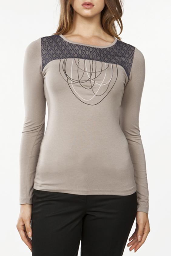 БлузкаБлузки<br>Повседневная блузка с длинными рукавами и интересным принтом. Модель выполнена из мягкой вискозы. Отличный выбор для повседневного гардероба.  Цвет: бежевый, коричневый  Ростовка изделия 170 см.<br><br>Горловина: С- горловина<br>По материалу: Вискоза<br>По рисунку: Однотонные,С принтом<br>По сезону: Весна,Всесезон,Зима,Лето,Осень<br>По силуэту: Полуприталенные<br>По стилю: Повседневный стиль<br>Рукав: Длинный рукав<br>Размер : 44,48,50<br>Материал: Вискоза<br>Количество в наличии: 3