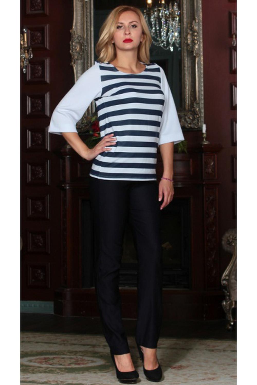 БлузкаБлузки<br>Комбинированная блуза из трикотажного полотна с добавлением эластичной нити; прямого силуэта с нагрудной вытачкой, рукав прямой, втачной, 3/4. Блуза струящегося силуэта с принтом в полоску и однотонными широкими рукавами уместна как для повседневной носки, так и для праздничных мероприятий. Выбирайте к ней спокойный низ и ловите восхищенные взгляды окружающих  Длина изделия от 66 см до 72 см, в зависимости от размера.  Цвет: белый, синий  Рост девушки-фотомодели 175 см<br><br>Горловина: С- горловина<br>По материалу: Трикотаж<br>По образу: Город<br>По рисунку: В полоску,С принтом,Цветные<br>По сезону: Весна,Зима,Лето,Осень,Всесезон<br>По силуэту: Полуприталенные<br>По стилю: Повседневный стиль<br>Рукав: Рукав три четверти<br>Размер : 44,46,48,50,52,54<br>Материал: Трикотаж<br>Количество в наличии: 6