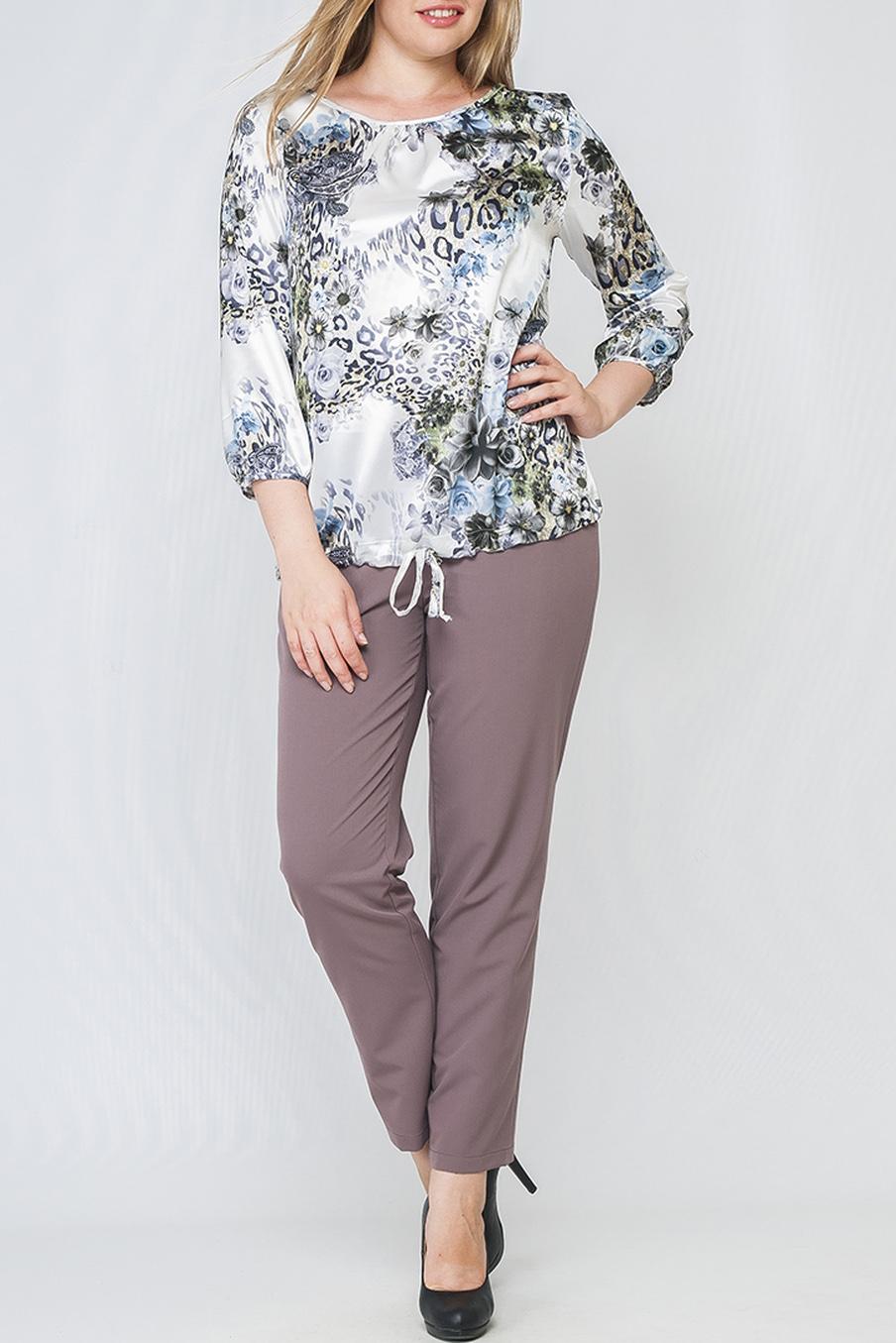 БлузкаБлузки<br>Стильная женская блуза с нежным леопардо-цветочным принтом. Модель свободного силуэта из легкого атласного материала, имеет круглый вырез горловины и рукав 3/4, низ изделия с кулиской, завязками вы можете регулировать прилегание на свой вкус. Такая блуза будет отличным выбором для создания женственного образа на каждый день.  Параметры изделия:  44 размер: обхват по линии груди 100 см, обхват по линии бедер 110 см, длина изделия - 61,5 см, длина рукава - 50 см;  52 размер: обхват по линии груди 116 см, обхват по линии бедер 126 см, длина изделия - 66 см, длина рукава - 50,5 см.  В изделии использованы цвета: белый, голубой, серый  Рост девушки-фотомодели 170 см.<br><br>Горловина: С- горловина<br>По материалу: Шелк<br>По рисунку: Леопард,Растительные мотивы,С принтом,Цветные,Цветочные<br>По сезону: Весна,Зима,Лето,Осень,Всесезон<br>По силуэту: Прямые<br>По стилю: Повседневный стиль<br>Рукав: Рукав три четверти<br>Размер : 42,44,46<br>Материал: Искусственный шелк<br>Количество в наличии: 3