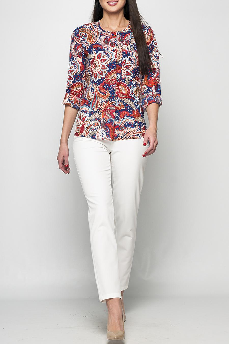 РубашкаБлузки<br>Женская рубашка из шифона прямого силуэта с ярким принтом. На груди расположен накладной карман, длинные рукава дополнены манжетами с пуговицами. Низ рубашки ассиметричен - спинка удлиненная. Блуза хорошо комбинируется с джинсами и различными моделями брюк, а яркий принт сделает Ваш образ более эффектным и запоминающимся. Принт купонный, расположение рисунка может меняться.   Параметры изделия:  44 размер: обхват груди 92 см, длина по спинке - 66 см, длина рукава - 59 см;  52 размер: обхват груди 108 см, длина по спинке - 69 см, длина рукава - 61 см.  В изделии использованы цвета: синий, красный и др.  Рост девушки-фотомодели 175 см.<br><br>Горловина: С- горловина<br>Застежка: С пуговицами<br>По материалу: Тканевые<br>По образу: Город<br>По рисунку: С принтом,Цветные,Этнические<br>По сезону: Весна,Зима,Лето,Осень,Всесезон<br>По силуэту: Полуприталенные<br>По стилю: Повседневный стиль<br>Рукав: Длинный рукав<br>Размер : 54,56<br>Материал: Блузочная ткань<br>Количество в наличии: 2