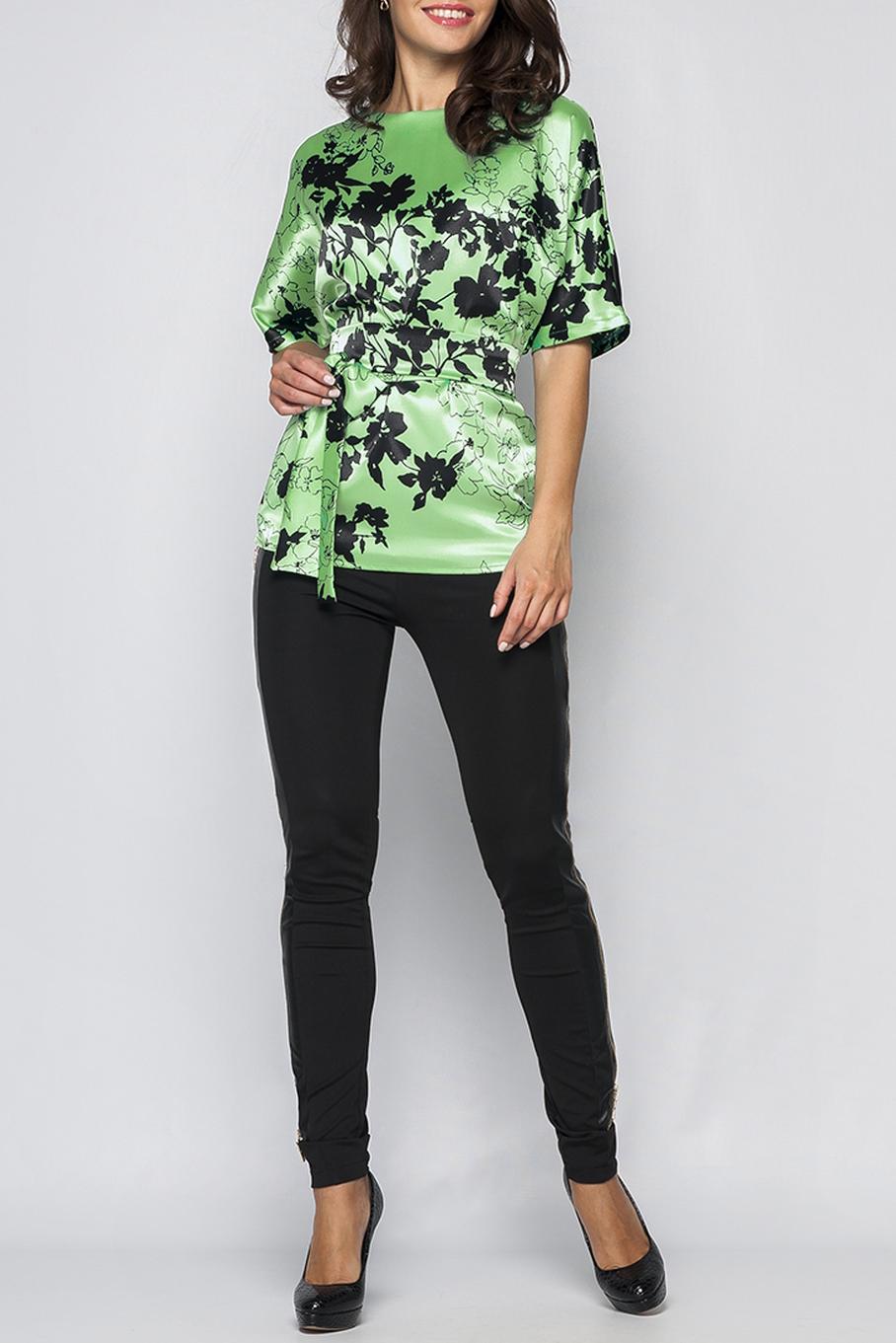 БлузкаБлузки<br>Элегантная женская блуза. Модель полуприлегающего силуэта из легкого атласного материала, имеет неглубокий вырез горловины на внутренней обтачке, свободные рукава длиной до локтя. По среднему шву спинки идут застежки - пуговицы. Такая блузка прекрасно подойдет для повседневных или офисных образов, легкий материал и сводобный крой придадут комфорт, а цветочный принт и пояс на талии сделают Вас более женственной и элегантной. Принт купонный, расположение рисунка может меняться.  Блузка без пояса.  Параметры изделия:  44 размер: обхват груди - 108 см, длина рукава - 31 см, длина изделия - 65 см;  52 размер: обхват груди - 116 см, длина рукава - 32 см, длина изделия - 70 см.   В изделии использованы цвета: зеленый, черный  Рост девушки-фотомодели 170 см.<br><br>Горловина: Лодочка<br>По материалу: Атлас,Тканевые<br>По рисунку: Растительные мотивы,С принтом,Цветные,Цветочные<br>По сезону: Весна,Зима,Лето,Осень,Всесезон<br>По силуэту: Полуприталенные<br>По стилю: Повседневный стиль<br>Рукав: До локтя<br>Размер : 42,44,52<br>Материал: Атлас<br>Количество в наличии: 3