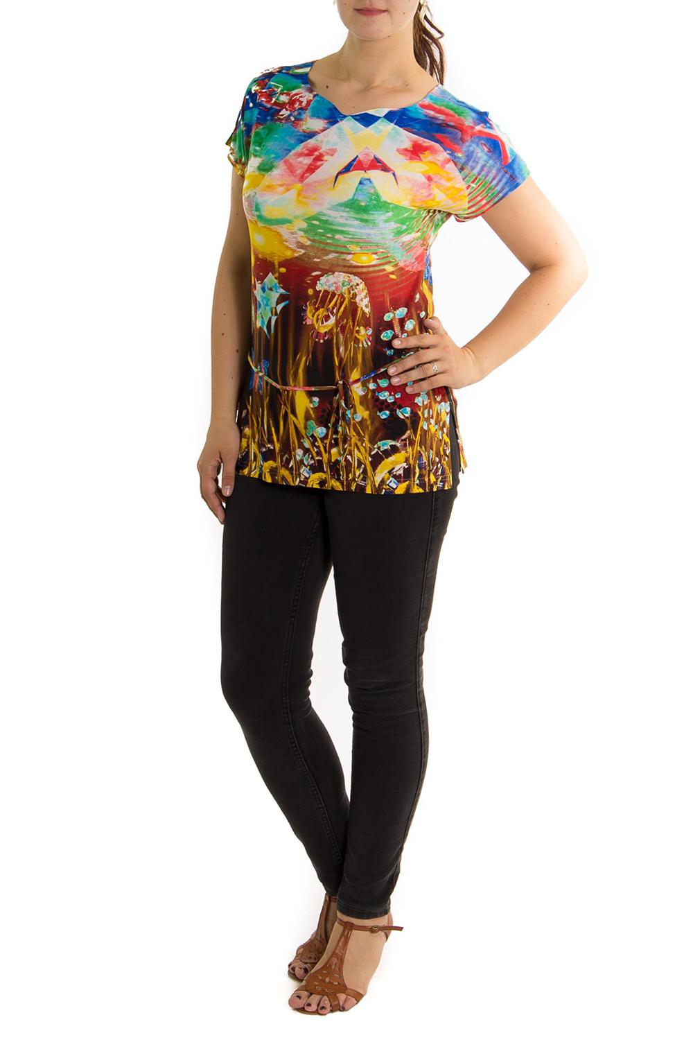 БлузкаБлузки<br>Яркая летняя блузка из приятного трикотажа.<br><br>По материалу: Вискоза,Трикотаж<br>По рисунку: Цветные,С принтом<br>По сезону: Лето,Весна,Зима,Осень,Всесезон<br>Рукав: Короткий рукав<br>По стилю: Повседневный стиль,Летний стиль<br>Горловина: Фигурная горловина<br>По силуэту: Полуприталенные<br>Размер : 48<br>Материал: Холодное масло<br>Количество в наличии: 1