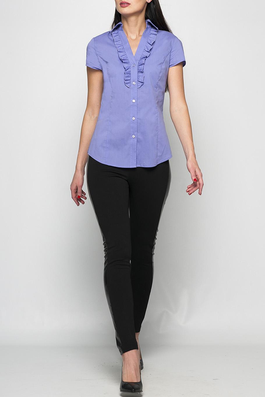 БлузкаБлузки<br>Классическая женская рубашка сиреневого цвета, выполненая из хлопка. Рюши, которые расположены по V-образному вырезу добавляют нотку нежности и делают рубашку более интересной. Прекрасно будет сочетаться как с брюками, так и с юбкой.   Параметры изделия:  44 размер: длина изделия по спинке - 67см, полуобхват по линии груди - 50см;  52 размер: длина изделия по спинке - 69см, полуобхват по линии груди - 58см.  Цвет: сиреневый  Рост девушки-фотомодели 175 см.<br><br>Горловина: V- горловина<br>Застежка: С пуговицами<br>По материалу: Хлопок<br>По рисунку: Однотонные<br>По сезону: Весна,Зима,Лето,Осень,Всесезон<br>По силуэту: Приталенные<br>По стилю: Офисный стиль,Повседневный стиль,Летний стиль<br>По элементам: С воланами и рюшами,С декором<br>Рукав: Короткий рукав<br>Размер : 46,48,50,60<br>Материал: Хлопок<br>Количество в наличии: 4