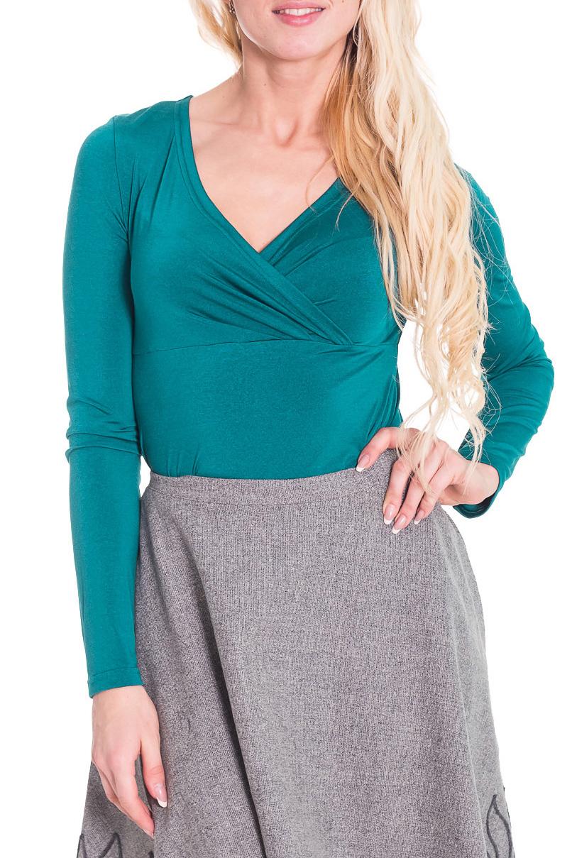 БлузкаБлузки<br>Женственная женская блузка из приятной к телу вискозы. Горловина V-образная на запах. Рукава длинные. Цвет: бирюзовый  Рост девушки-фотомодели 170 см<br><br>Горловина: V- горловина,Запах<br>По материалу: Вискоза,Трикотаж<br>По рисунку: Однотонные<br>По сезону: Весна,Всесезон,Зима,Осень,Лето<br>По силуэту: Приталенные<br>По стилю: Повседневный стиль<br>По элементам: С вырезом,Со складками<br>Рукав: Длинный рукав<br>Размер : 44,46<br>Материал: Вискоза<br>Количество в наличии: 2