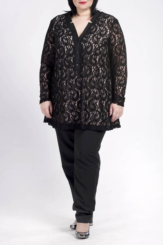 БлузкаБлузки<br>Повседневная одежда должна выполнять не только защитную, но и декоративную функцию, скрывая недостатки и подчеркивая достоинства. Поэтому одежда для полных должна быть прямого или свободного силуэта.  Чудесная блузка прямого силуэта.  Цвет: черный, бежевый  Ростовка изделия 170 см.<br><br>Горловина: V- горловина<br>По материалу: Вискоза,Гипюр,Трикотаж<br>По рисунку: Однотонные<br>По сезону: Весна,Зима,Лето,Осень,Всесезон<br>По силуэту: Прямые<br>По стилю: Нарядный стиль,Вечерний стиль<br>По элементам: С декором<br>Рукав: Длинный рукав<br>Размер : 52<br>Материал: Холодное масло + Гипюр<br>Количество в наличии: 2