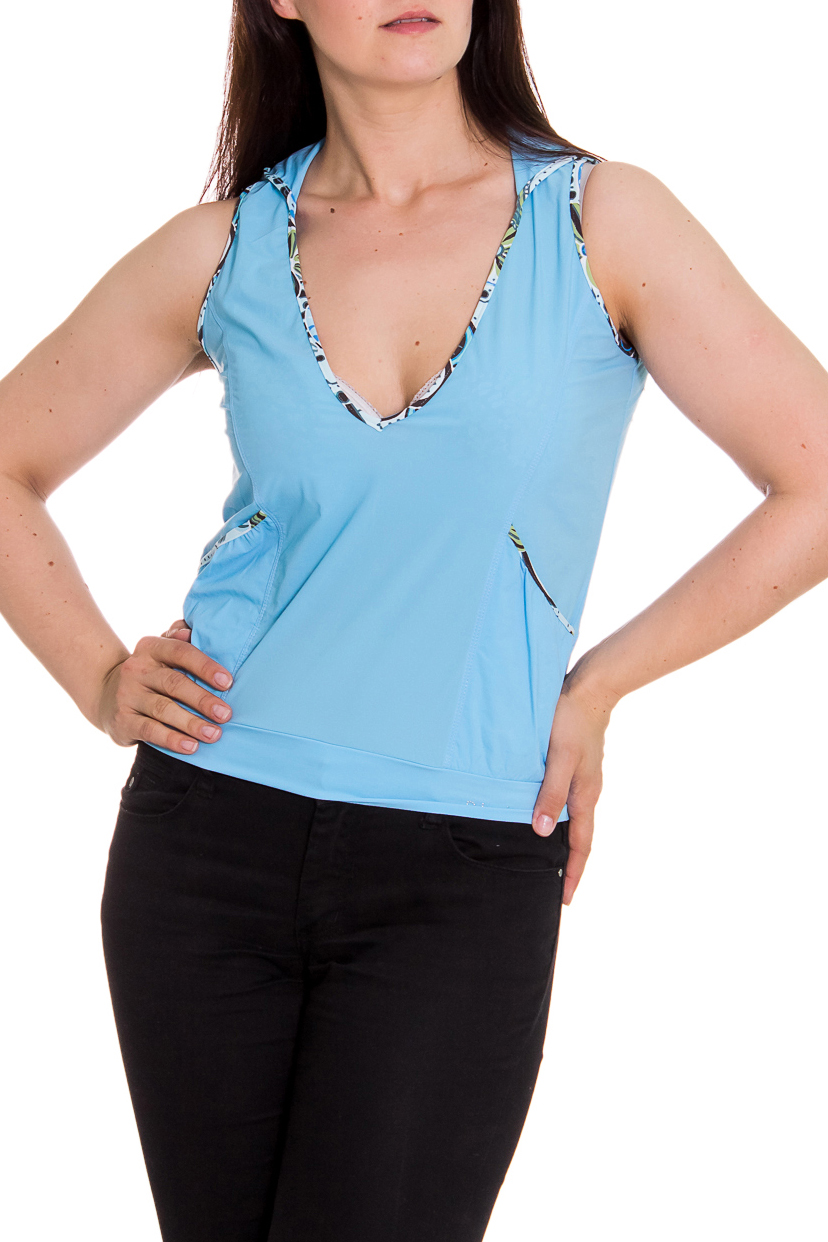 БлузкаБлузки<br>Свободная блузка с капюшоном. Отличный выбор для летнего гардероба или пляжного отдыха.  Цвет: голубой  Рост девушки-фотомодели 180 см<br><br>Горловина: V- горловина<br>По рисунку: Однотонные<br>По сезону: Весна,Всесезон,Зима,Лето,Осень<br>По силуэту: Свободные<br>По элементам: С карманами<br>По стилю: Летний стиль,Молодежный стиль,Повседневный стиль,Спортивный стиль<br>Рукав: Без рукавов<br>По материалу: Тканевые<br>Размер : 44,46,48<br>Материал: Полиэстер<br>Количество в наличии: 3