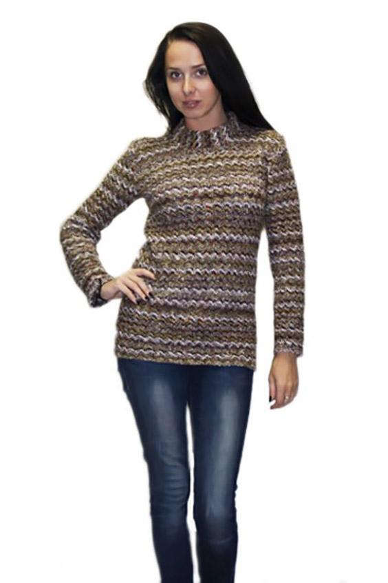 ДжемперДжемперы<br>Женский свитер - джемпер. Вязаный трикотаж - это красота, тепло и комфорт.   В вязаных вещах очень легко оставаться женственной и в то же время не замёрзнуть.<br><br>По материалу: Шерсть,Вязаные<br>По рисунку: Цветные,В полоску<br>По сезону: Зима<br>По силуэту: Полуприталенные<br>Рукав: Длинный рукав<br>По стилю: Повседневный стиль<br>По элементам: С воротником<br>Размер : 52,54-56<br>Материал: Вязаное полотно<br>Количество в наличии: 2